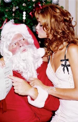 voyons_voir_Naughty_Christmas_avec_Ana_Beatriz_Barros_par_Ellen_von_Unwerth_4