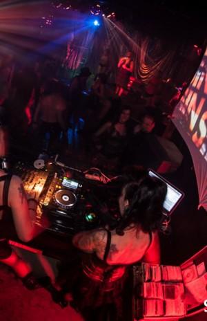 Sin City DJs Pandemonium & Evilyn13 doing their thing!